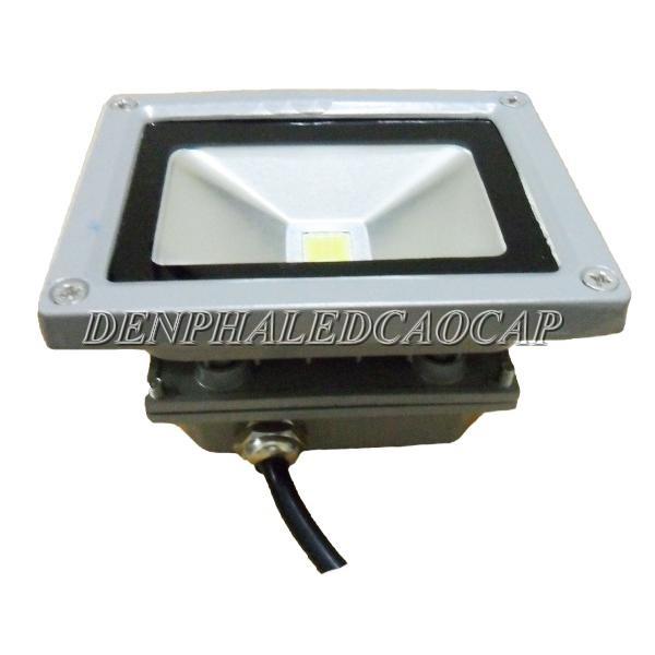Hộp nguồn bên dưới đèn pha LED F1-10