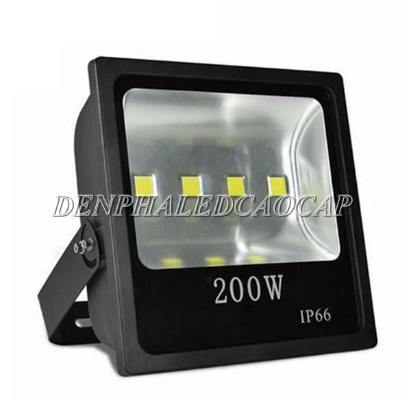 Kiểu dáng đèn pha LED F4-200