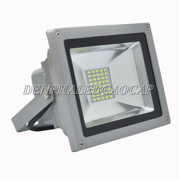 Đèn pha LED F5-20 có nhiều ưu điểm nổi bật