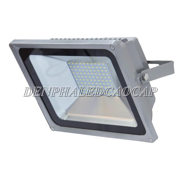 Hộp nguồn tích hợp phía sau của đèn pha LED F5-50