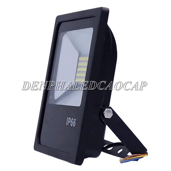 Nguồn LED tích hợp trong thân đèn pha LED F6-30