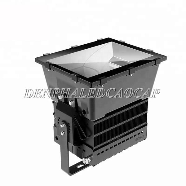 Đèn pha F3V có hiệu suất phát quang 130lm/w