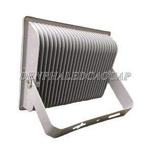 Thiết kế tản nhiệt đèn pha LED F1-250