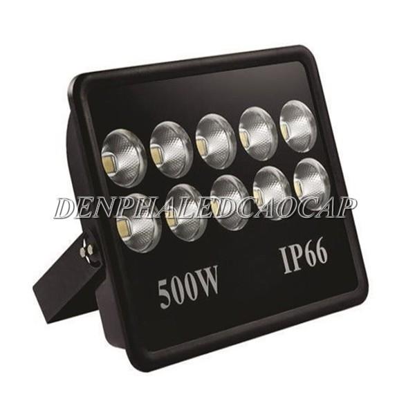Đèn pha LED F10 đạt tiêu hoạt động điều kiện thời tiết mưa gió