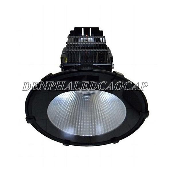 Sử dụng đèn pha LED F5 là giải pháp chiếu sáng an toàn và tiết kiệm