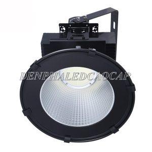 Đèn pha LED F31-100 nhiều ưu điểm nổi bật