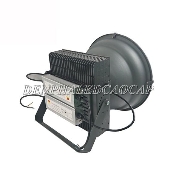 Nguồn đèn được đặt bên trong vỏ đèn