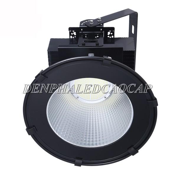 Kiểu dáng, mặt chip đèn pha LED F31-200