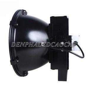 Thân đèn pha led F31-300 được sơn tĩnh điện màu đen