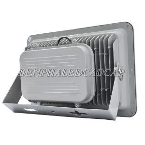 Bộ nguồn được bảo vệ bên trong thân đèn pha LED F5-200