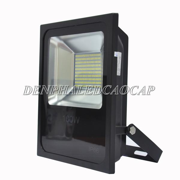 Đèn pha LED F6-100