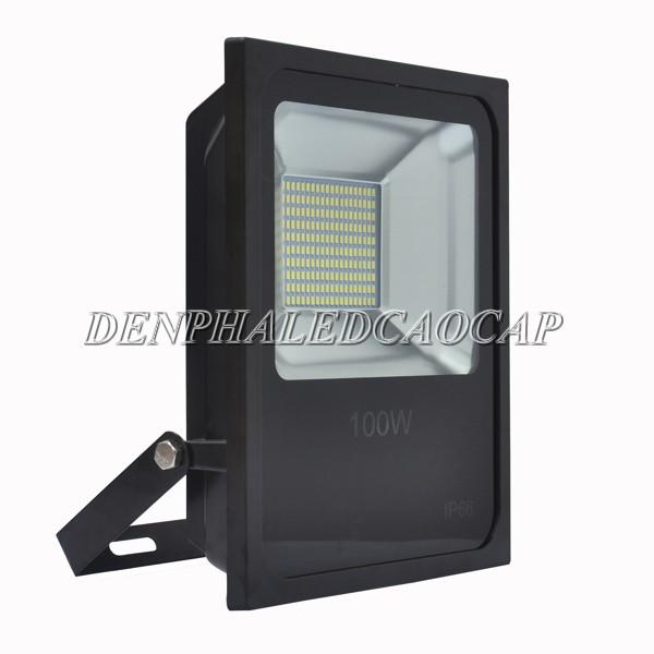 Cấu tạo đèn pha LED F6-100