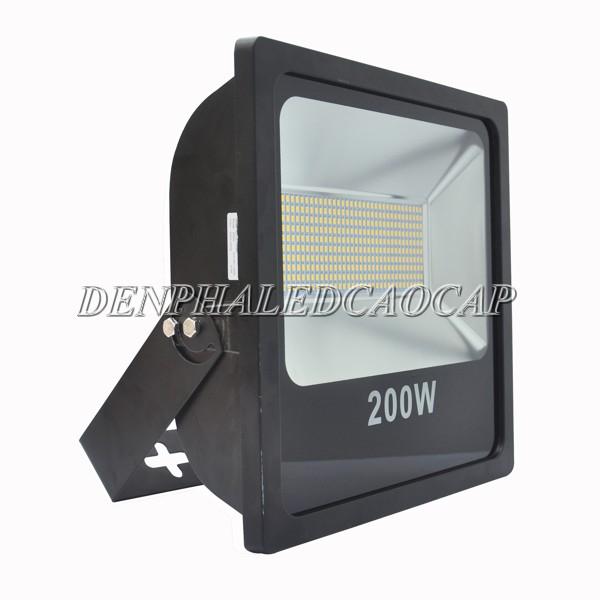 Mặt nghiêng đèn pha LED F6-200