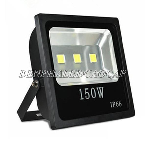 Kiểu dáng đèn pha LED F4-150
