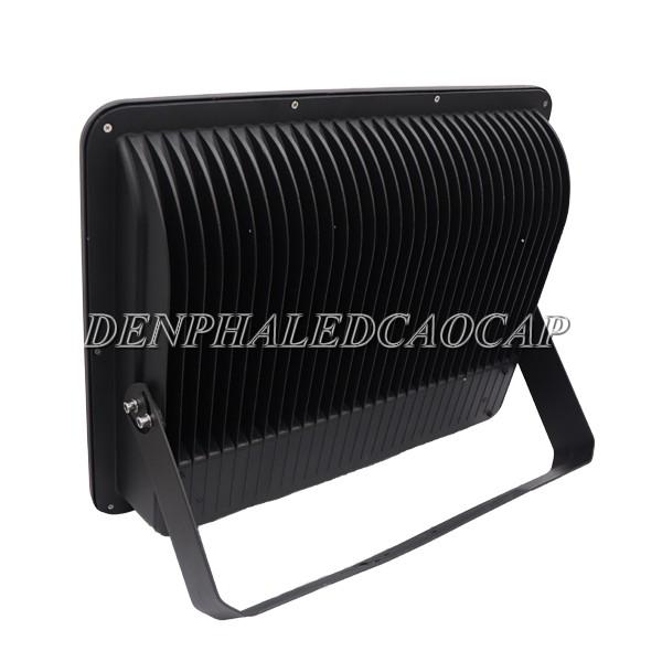 Hệ thống tản nhiệt đèn pha LED F10-400