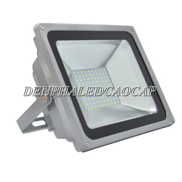 Đèn pha LED 50W ip66 chiếu sáng ngoài trời