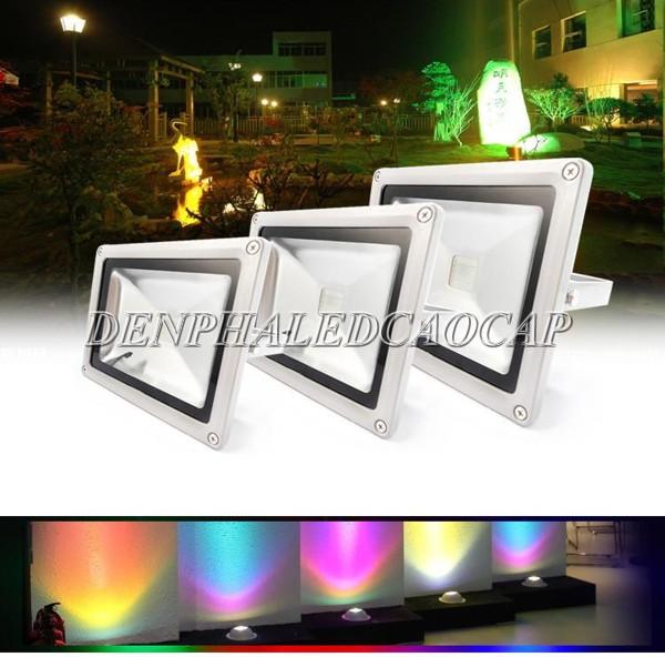 Đèn pha LED 150w ánh sáng đổi màu chiếu sáng ngoài trời