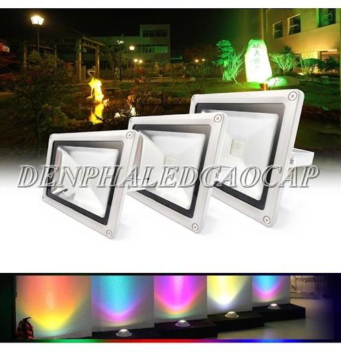 Đèn pha LED ánh sáng đổi màu RGB với điều khiển tự động
