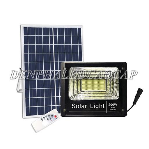 Đèn LED pha năng lượng mặt trời 200W IP67